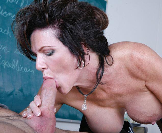 Blasen oma will Infamous Erotic